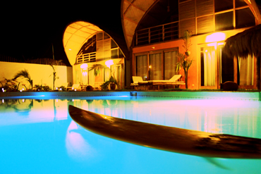 Our polychromatic pool gives the Kites Mancora night life a whole new feel.