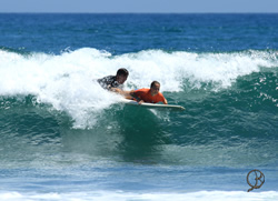 Surf lesson will have you enjoying the waves in few days at Mancora point